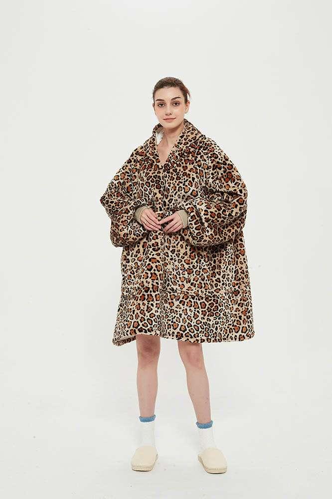 Panda hug leopard hanorac pufos leopard